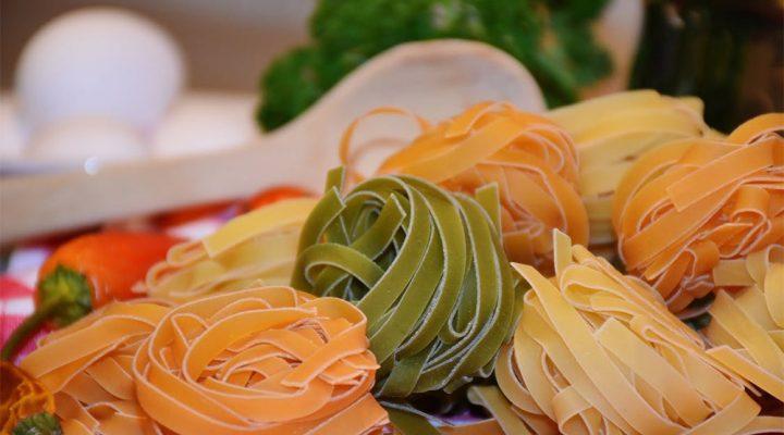 Tagliatelle met spinazie en champignons